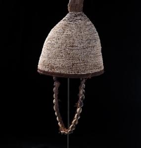 Copricapo Lega R.D.C fibre vegetali e cauri e corno